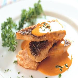 烤赤翅仔佐海膽蛋黃沙拉醬