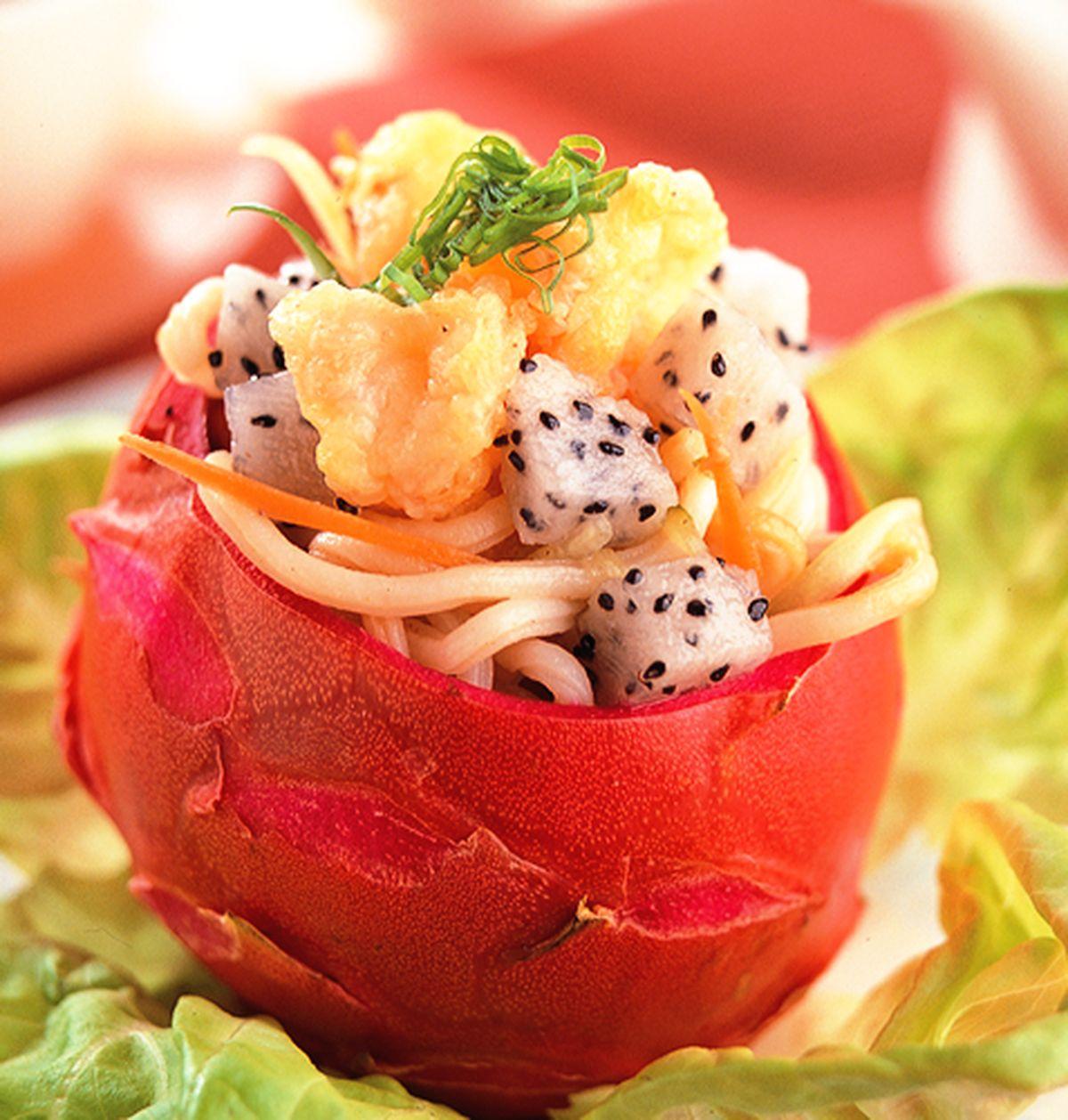 食譜:火龍果涼拌海鮮炒麵