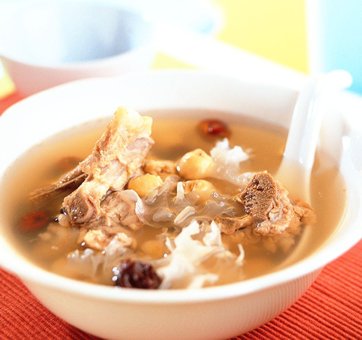 食譜:香椰銀耳燉排骨
