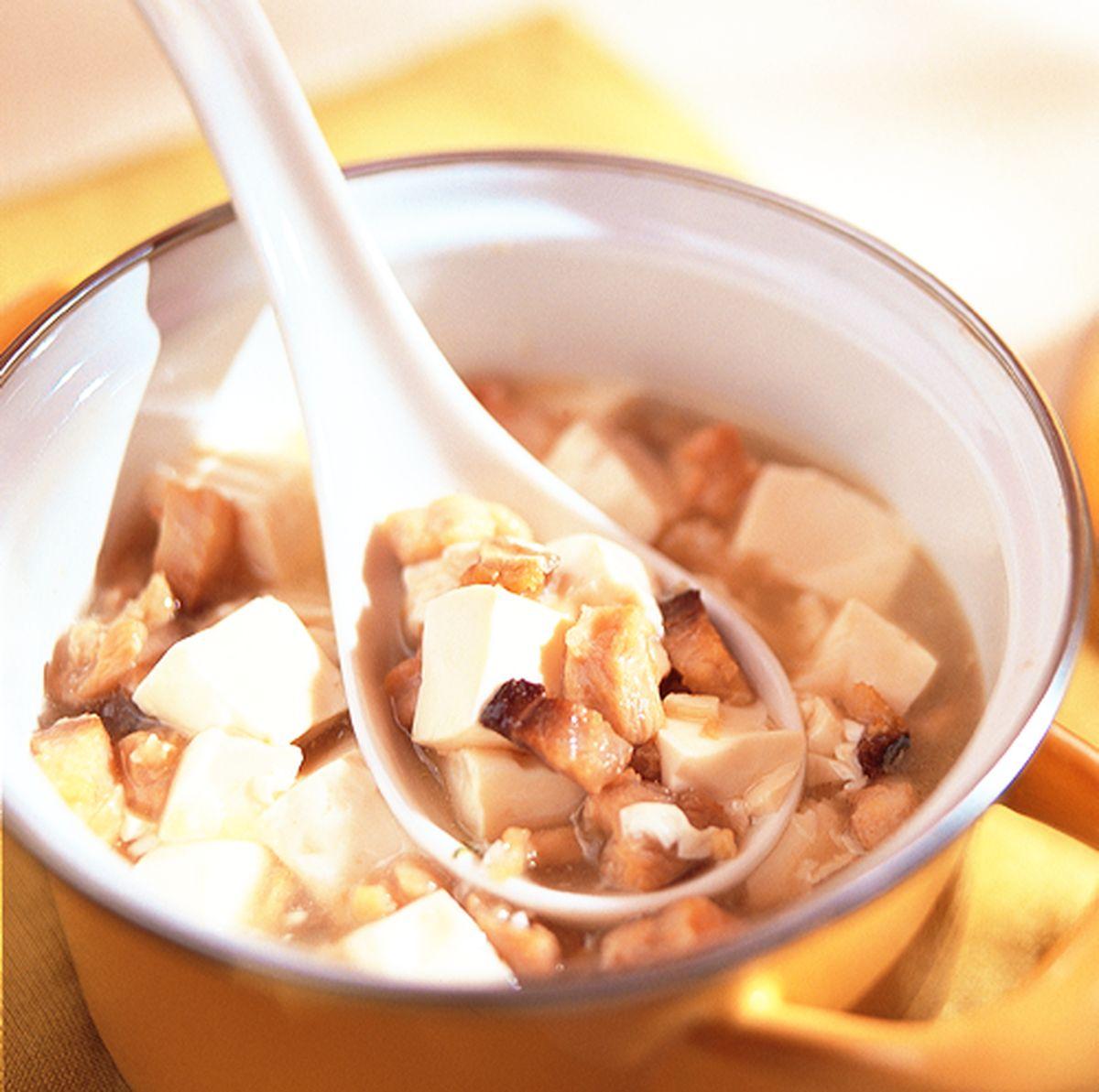 食譜:鹹魚雞粒豆腐煲