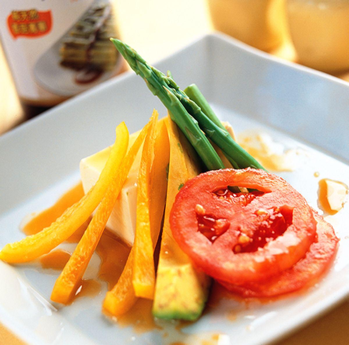 食譜:豆腐酪梨沙拉