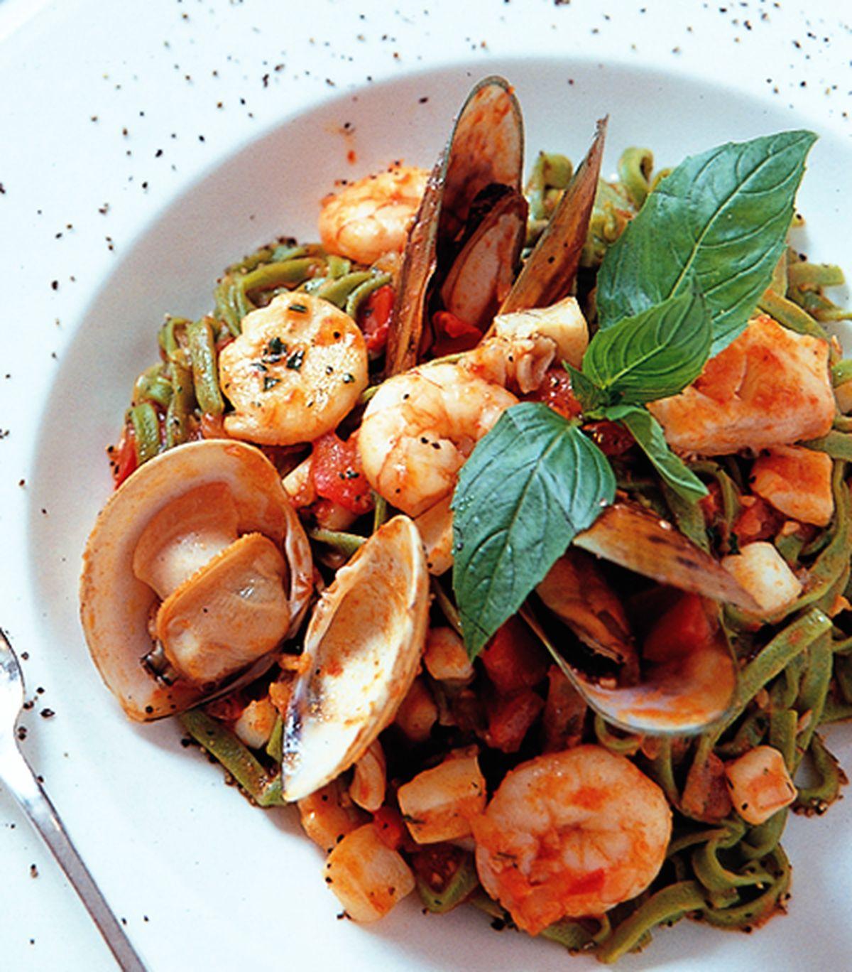 食譜:蕃茄海鮮菠菜麵