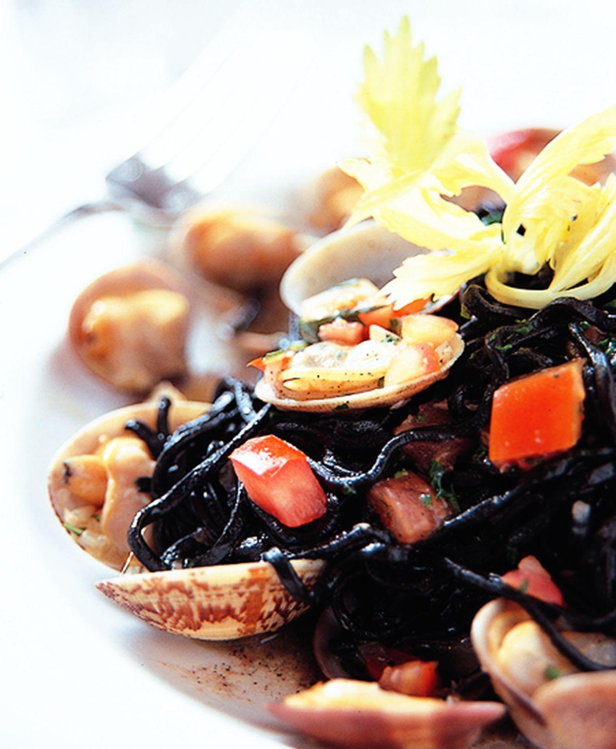 食譜:墨魚蛤蜊麵