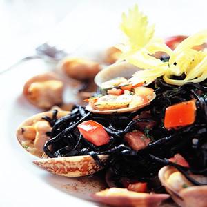 墨魚蛤蜊麵