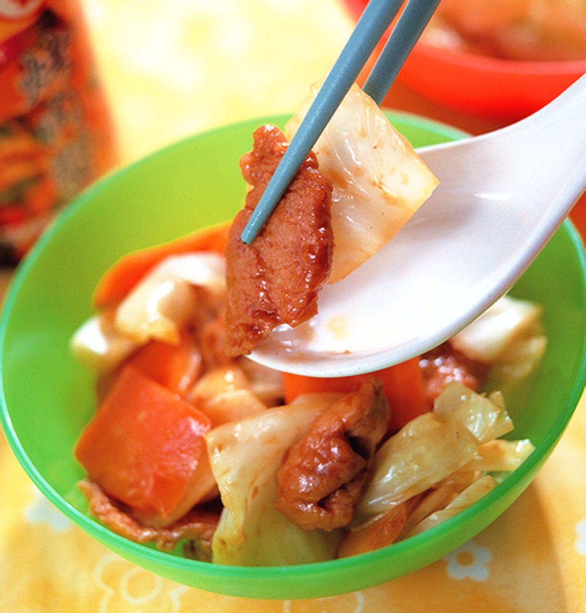 食譜:辣炒高麗菜肉片