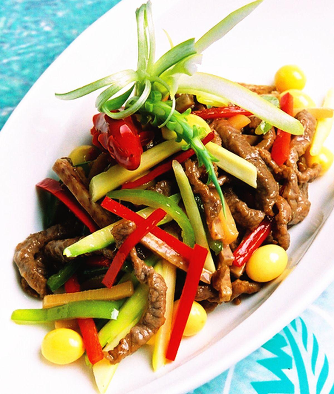 食譜:脆炒牛柳佐芋筍條