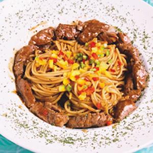 彩椒牛肉義大利麵