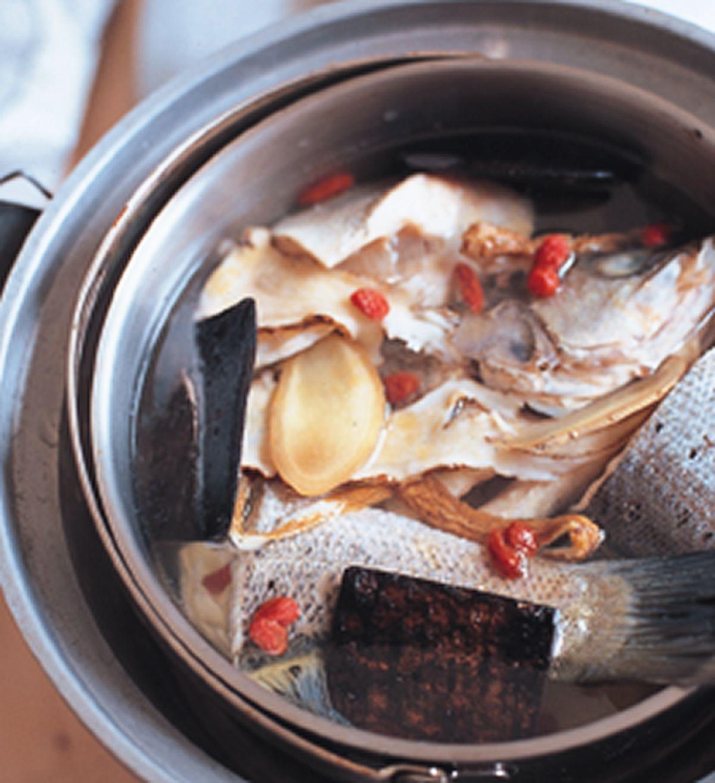 食譜:當歸杜仲魚湯