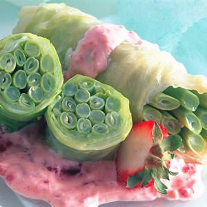 翠白蔓莓沙拉卷