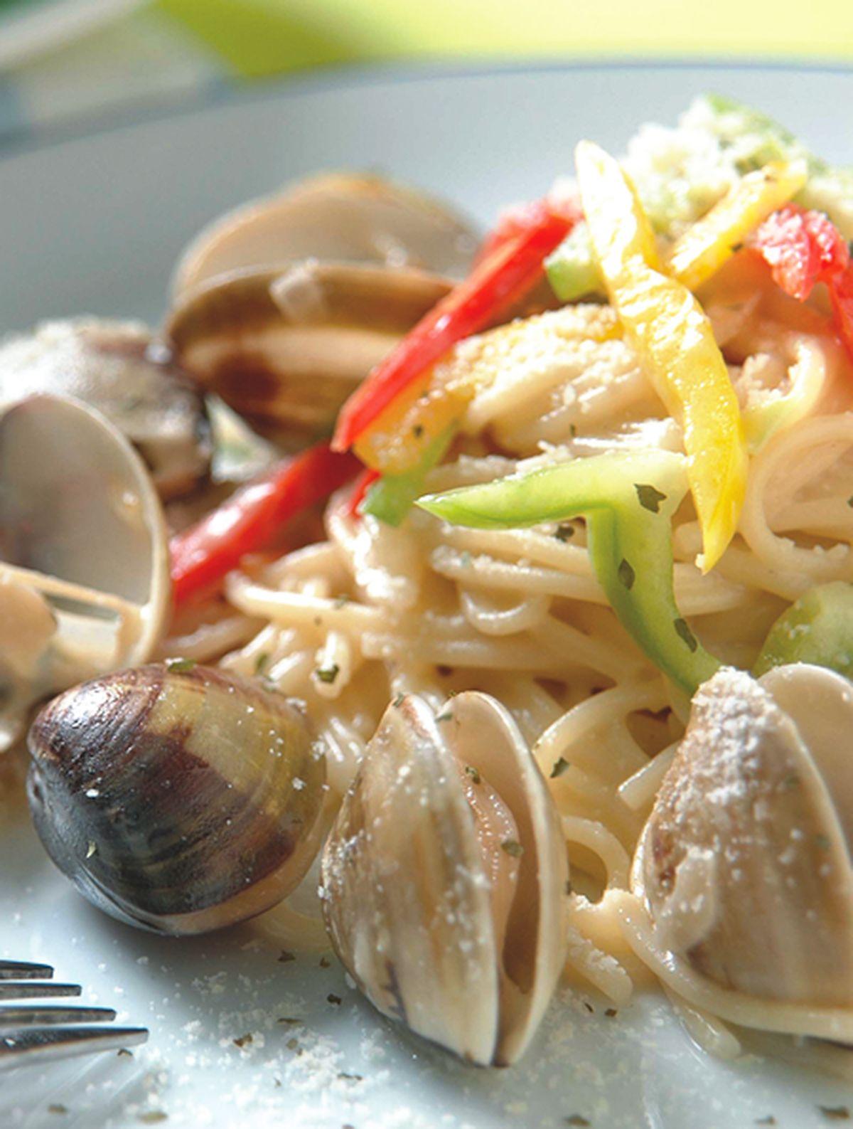 食譜:奶油蔬菜蛤蜊麵