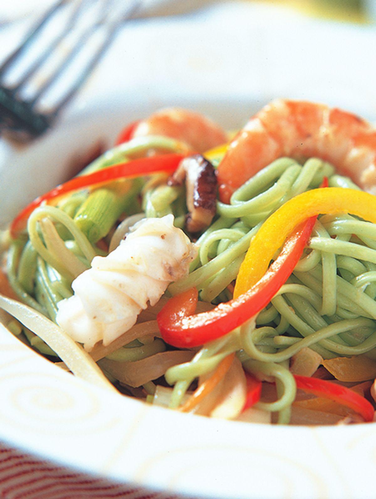 食譜:翡翠海鮮炒麵