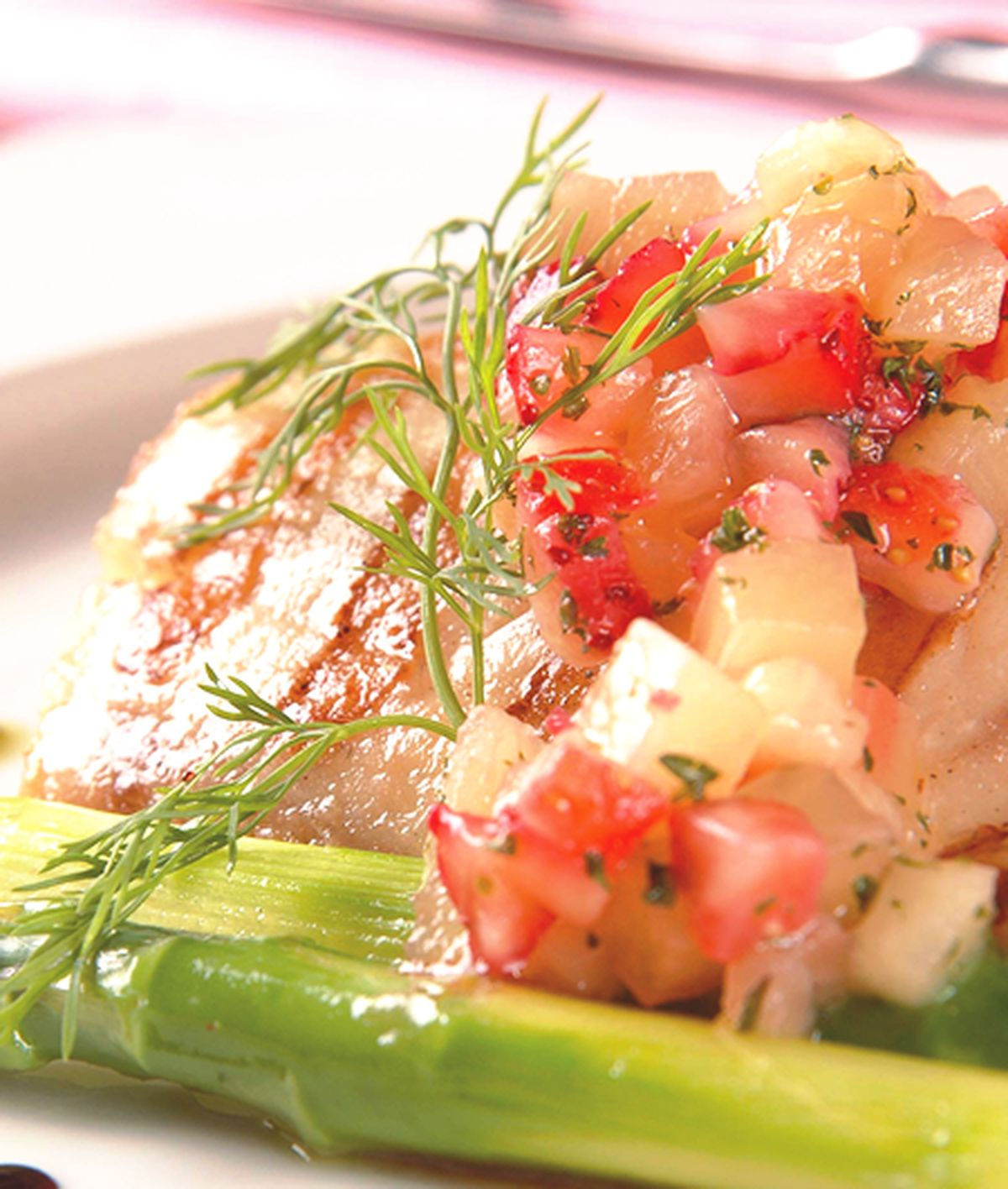 食譜:碳烤真鯛魚佐薄荷莓丁