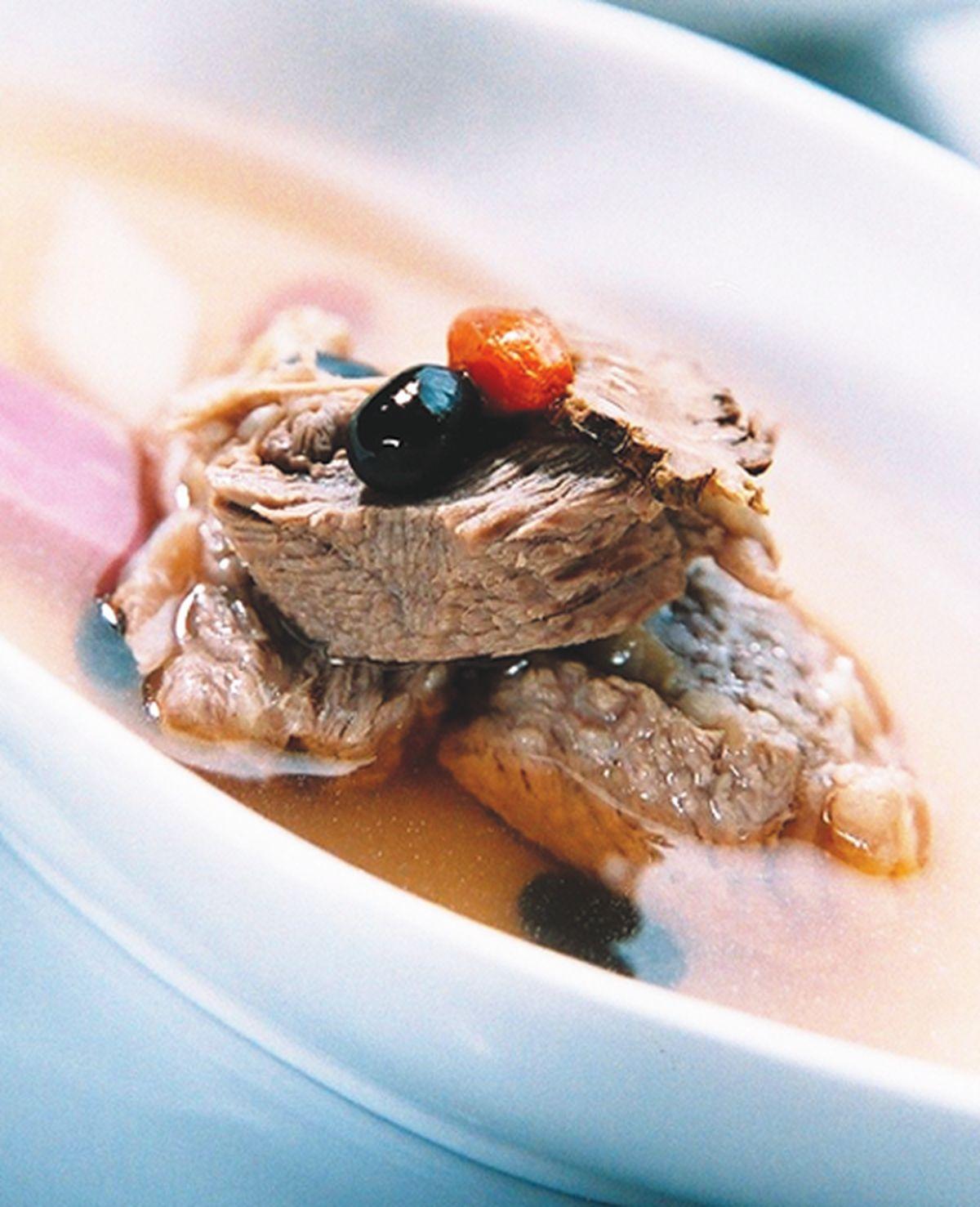 食譜:清燉黑豆牛腩湯