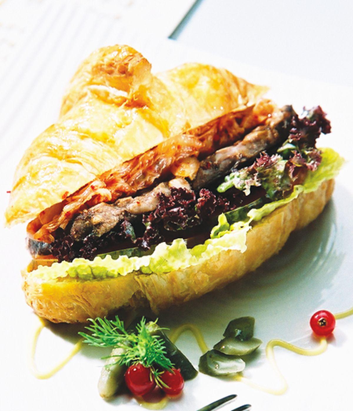 食譜:泡菜可頌堡