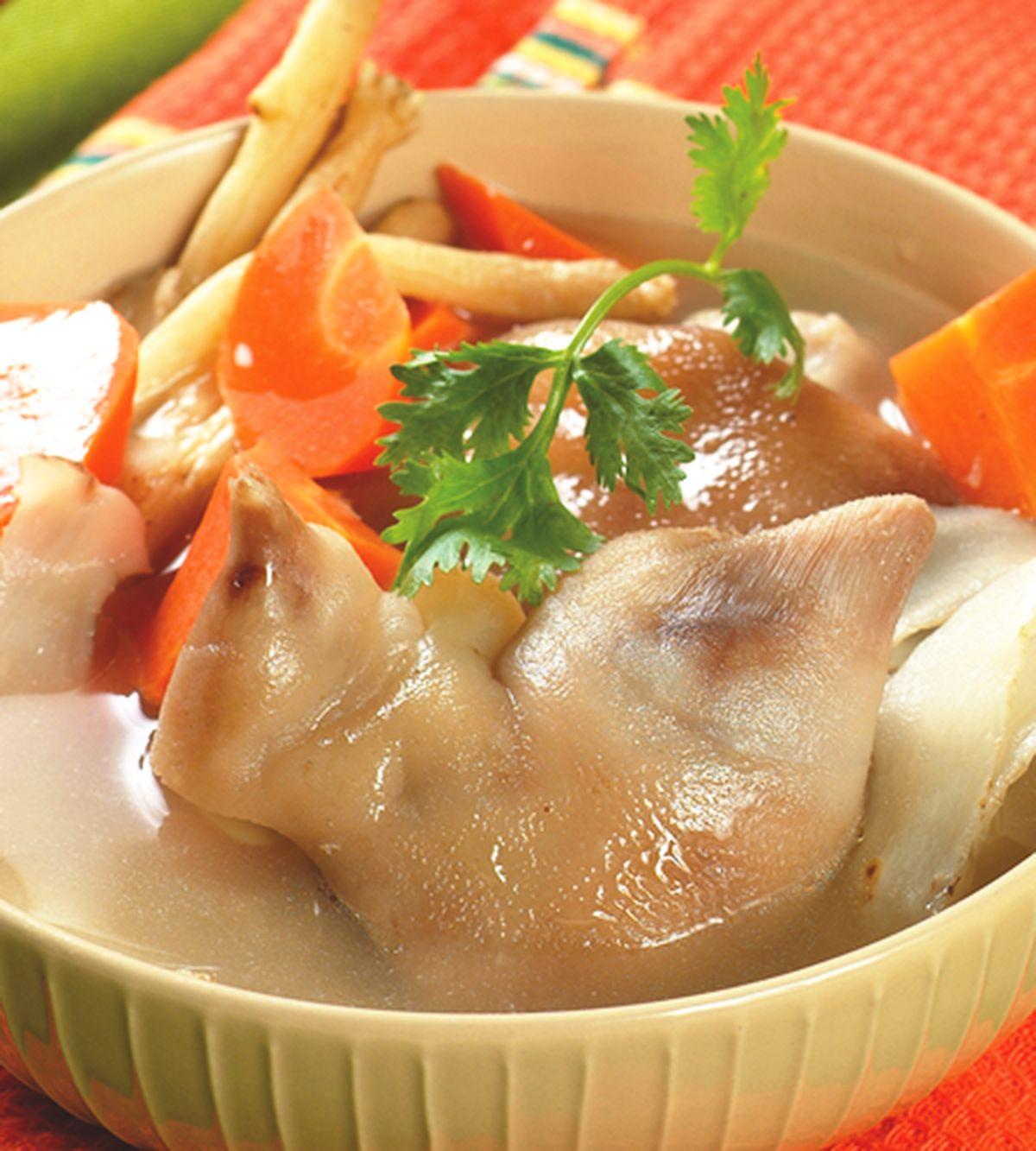 食譜:沙蔘紅仁燉豬手
