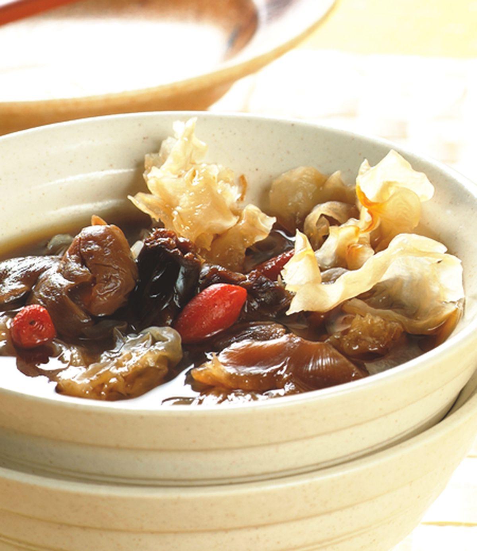 食譜:銀耳桂圓湯