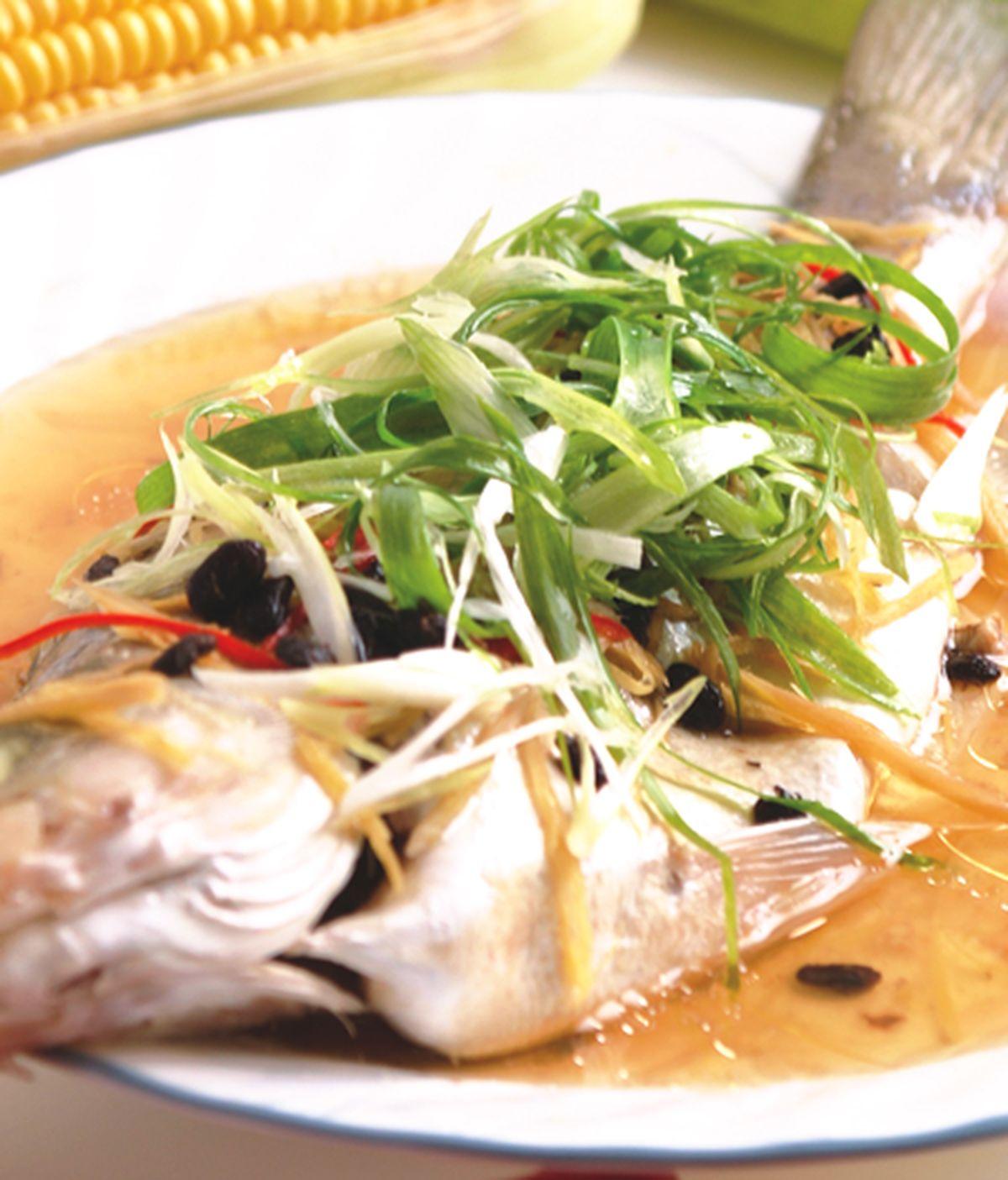 食譜:清蒸鱸魚(1)
