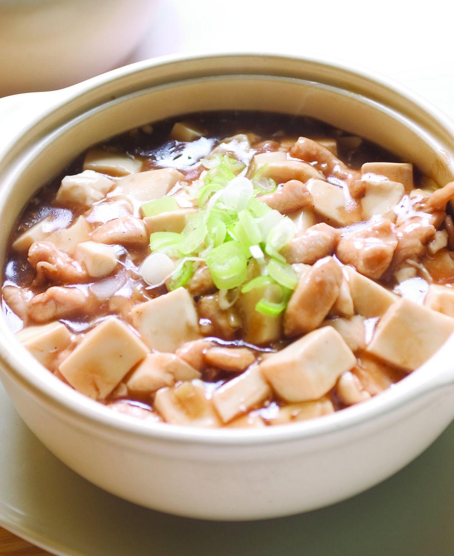 食譜:鹹魚雞粒豆腐煲(1)