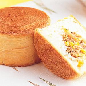 千層鮪魚麵包