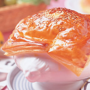 酥皮海鮮濃湯