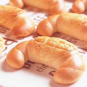 菠蘿牛角麵包