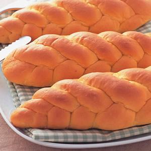 紅蘿蔔辮子麵包