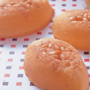 松子蜂蜜蛋糕