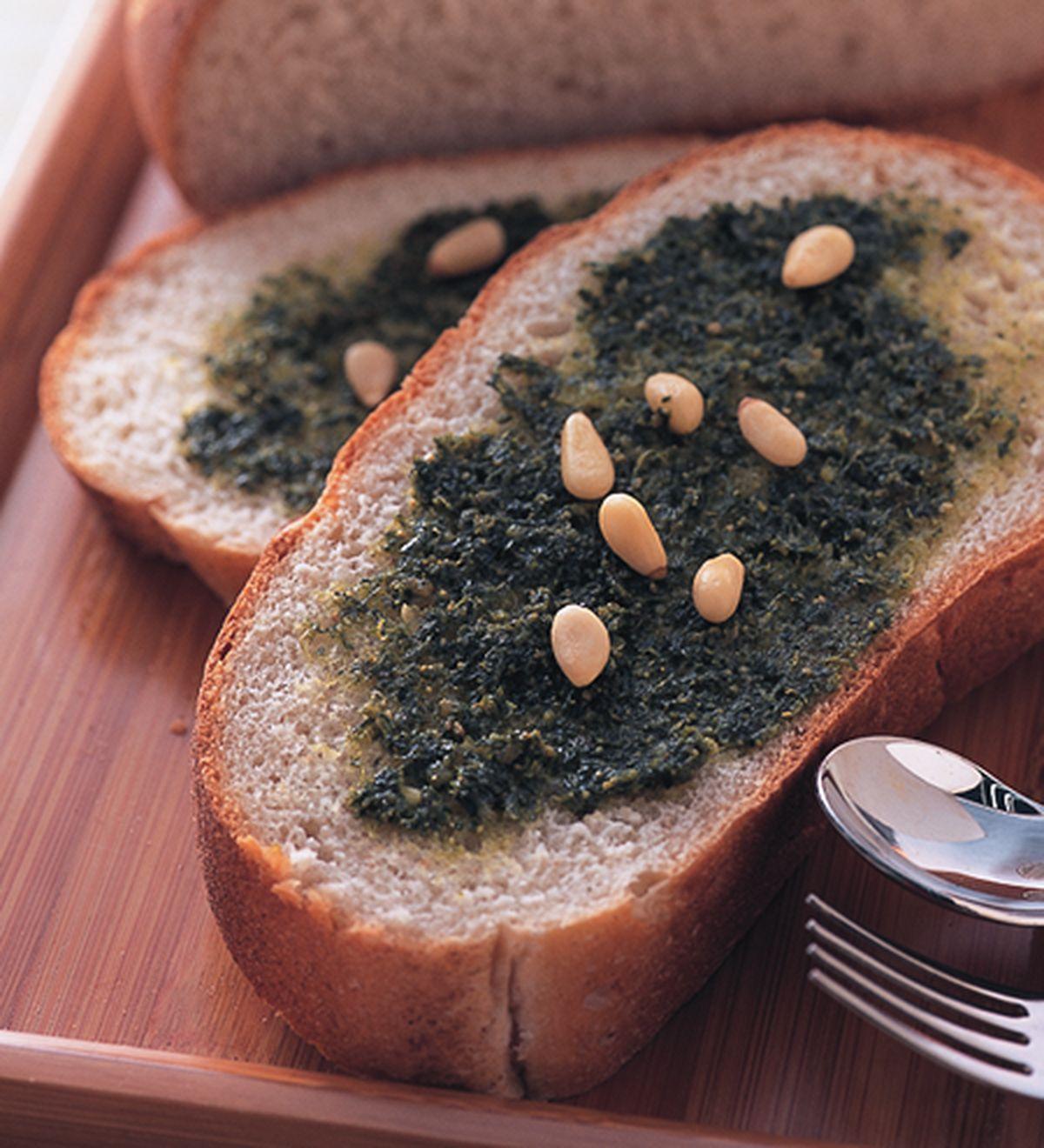食譜:松子醬大蒜麵包