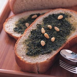 松子醬大蒜麵包