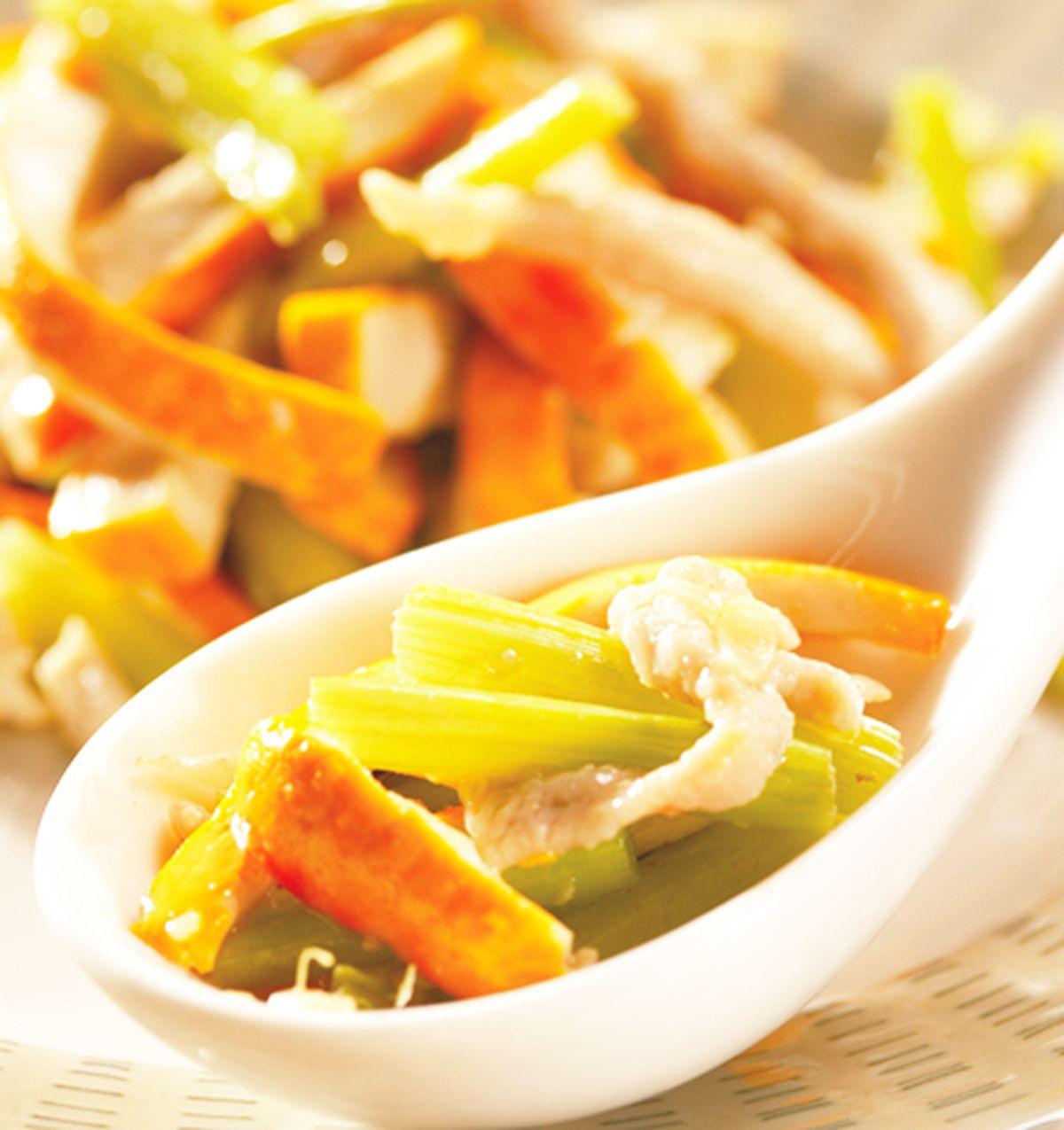 食譜:官印豆干炒芹菜