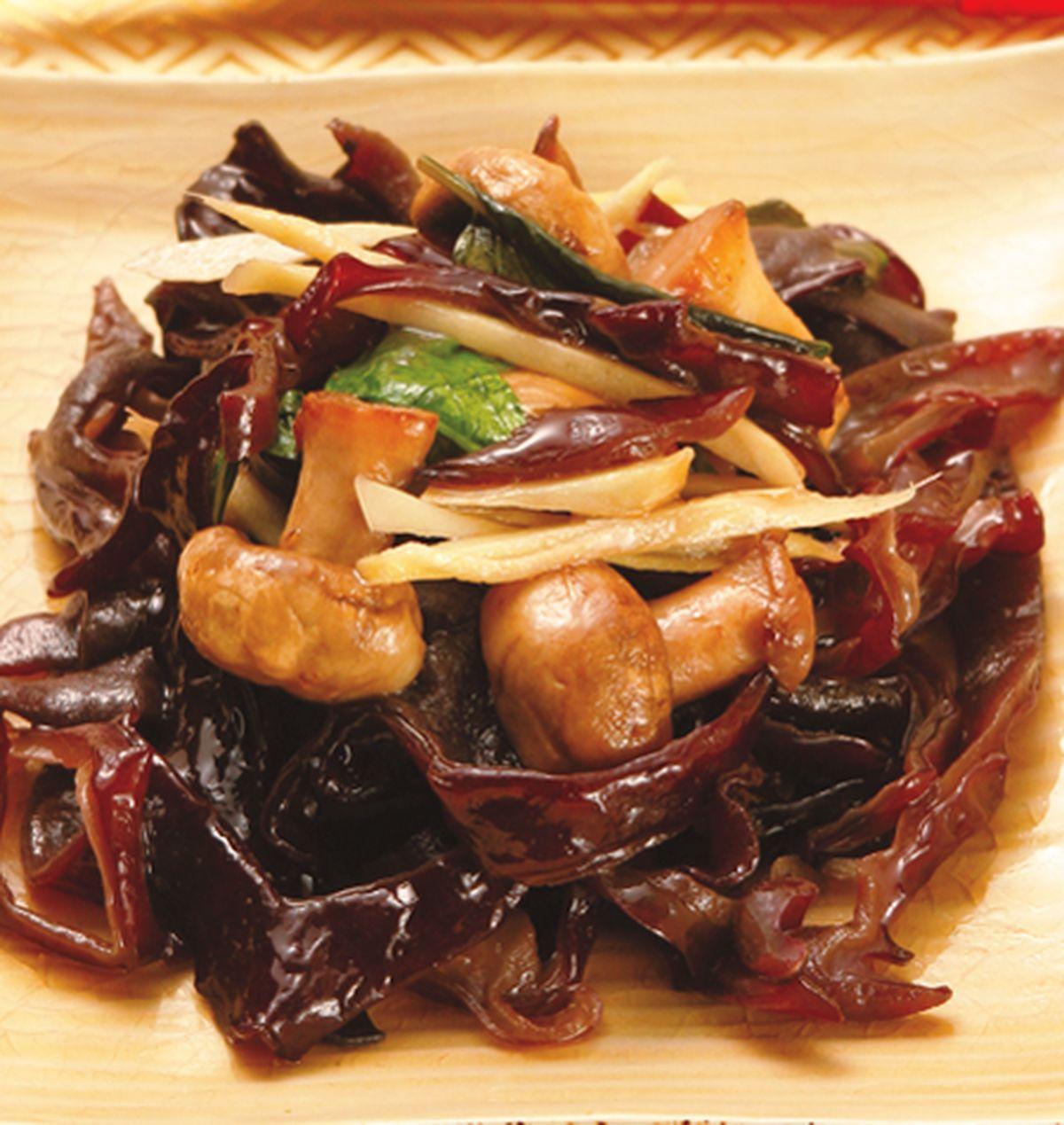 食譜:木耳炒洋菇
