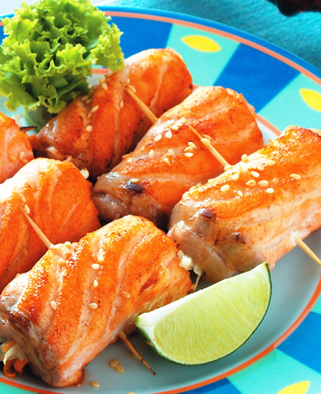食譜:蒜香鮭魚捲