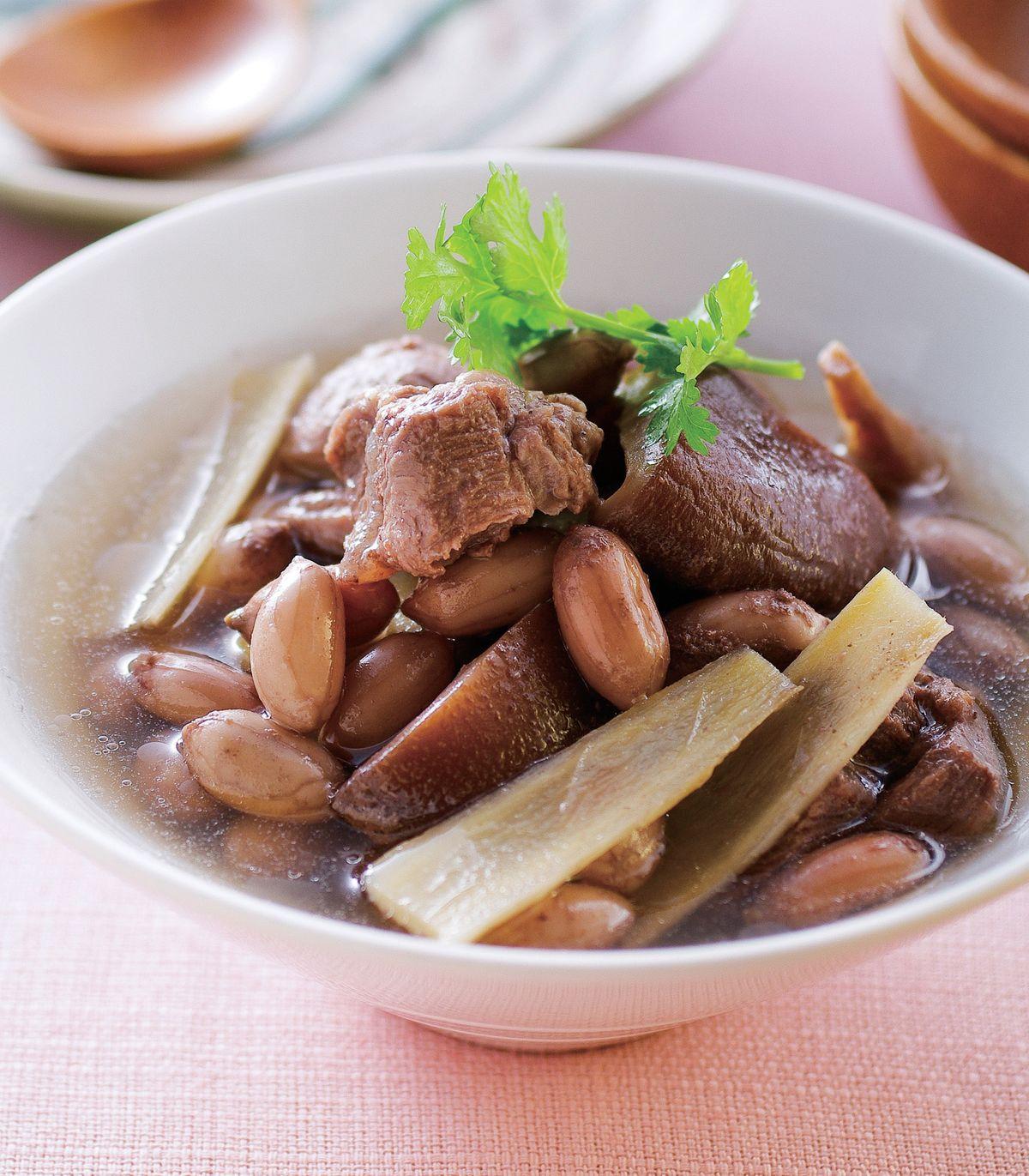 食譜:花生冬菇燉牛肉