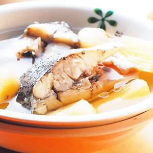 荸薺甘蔗燉魚