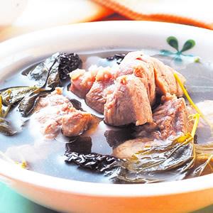 鮮桑葉燉豬腱湯