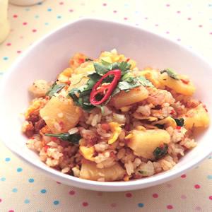 鳳梨肉鬆炒飯(1)