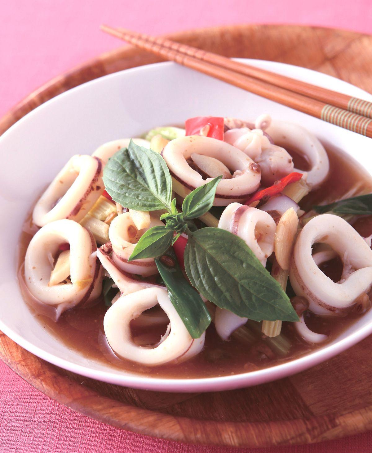 食譜:芹菜炒花枝(1)