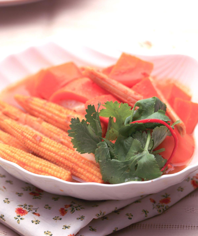 食譜:綠咖哩滷紅蘿蔔