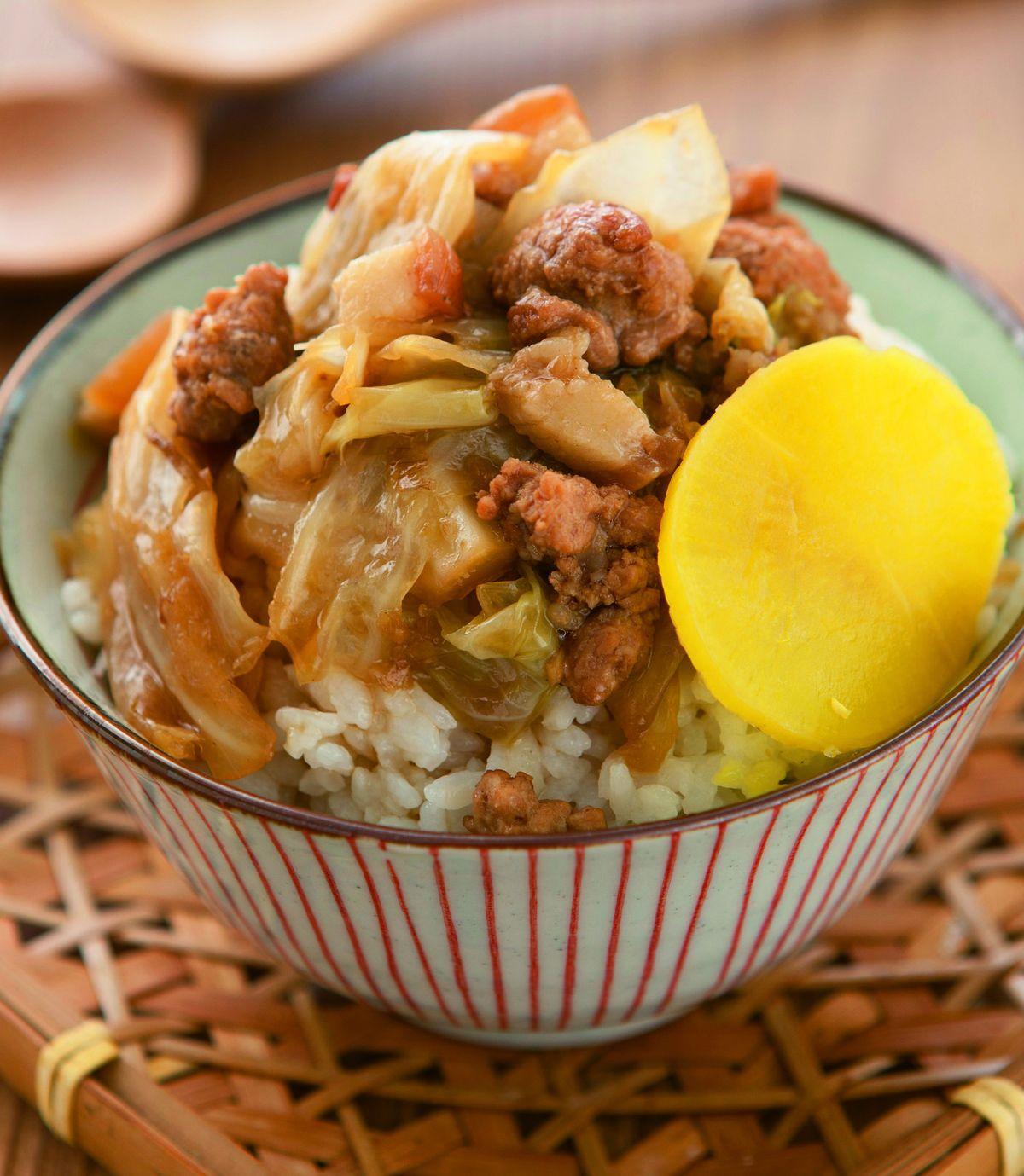 食譜:高麗菜肉燥飯