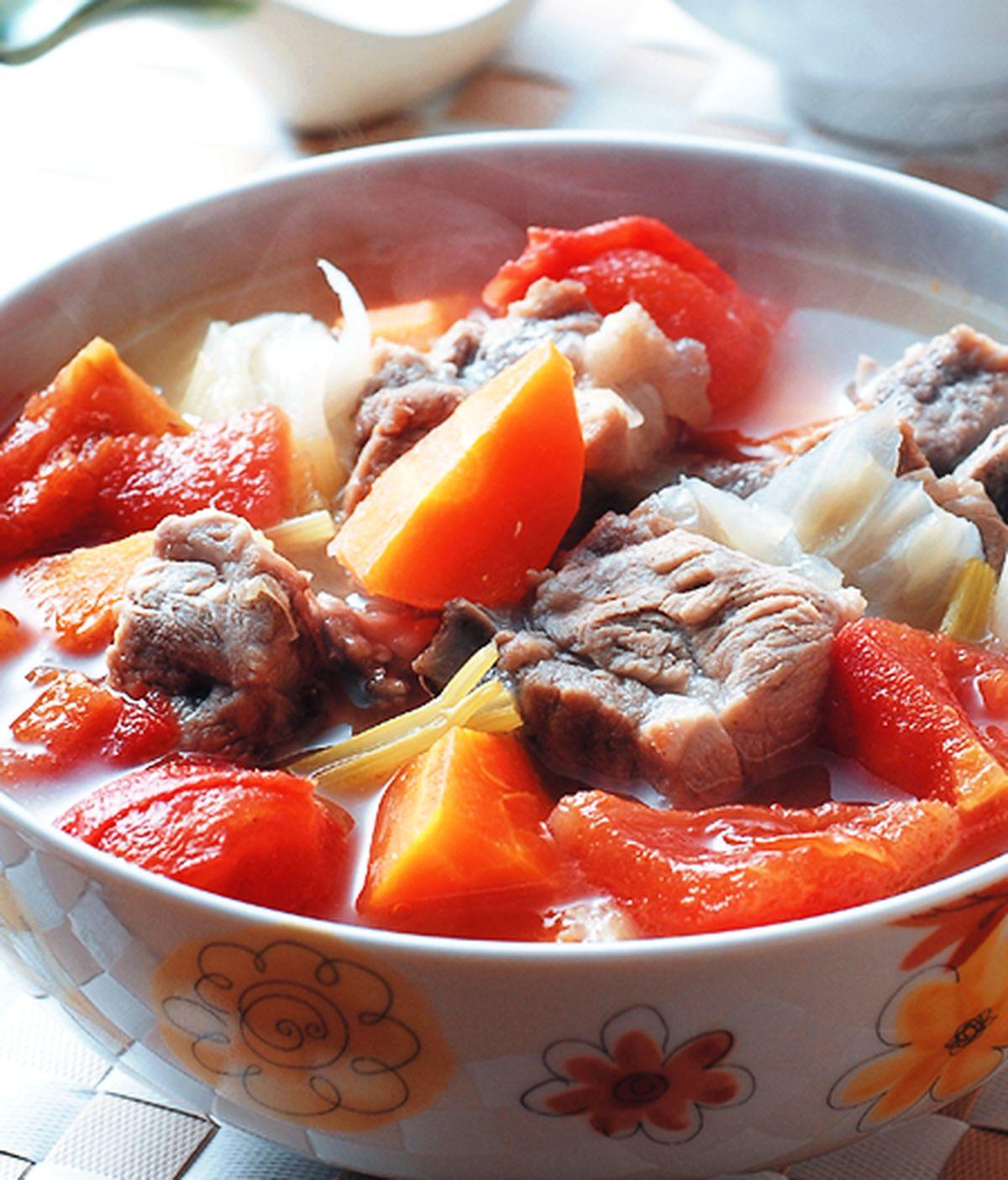 食譜:蔬菜排骨湯