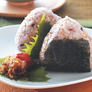 柴魚梅肉飯糰(1)