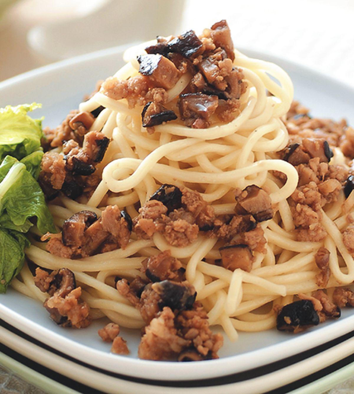食譜:香菇肉燥麵