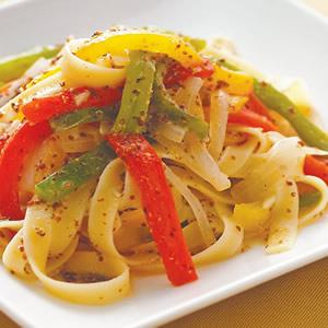 甜椒芥茉籽扁寬麵