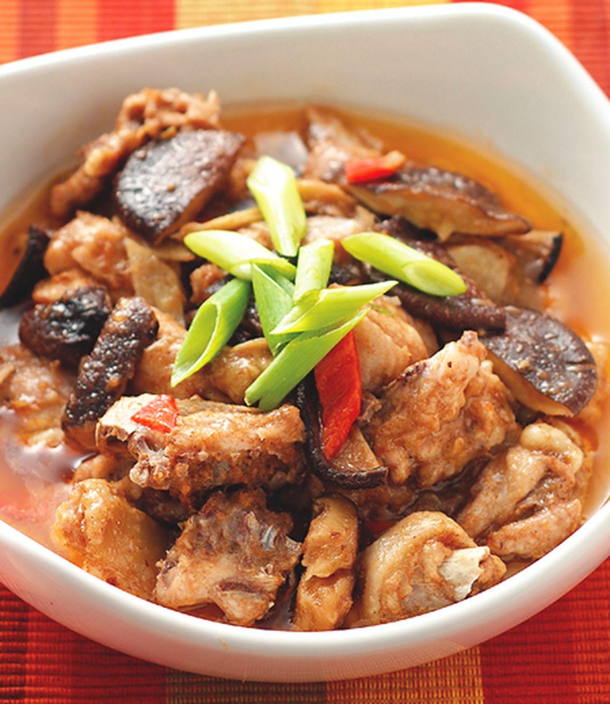 食譜:沙茶香菇蒸雞