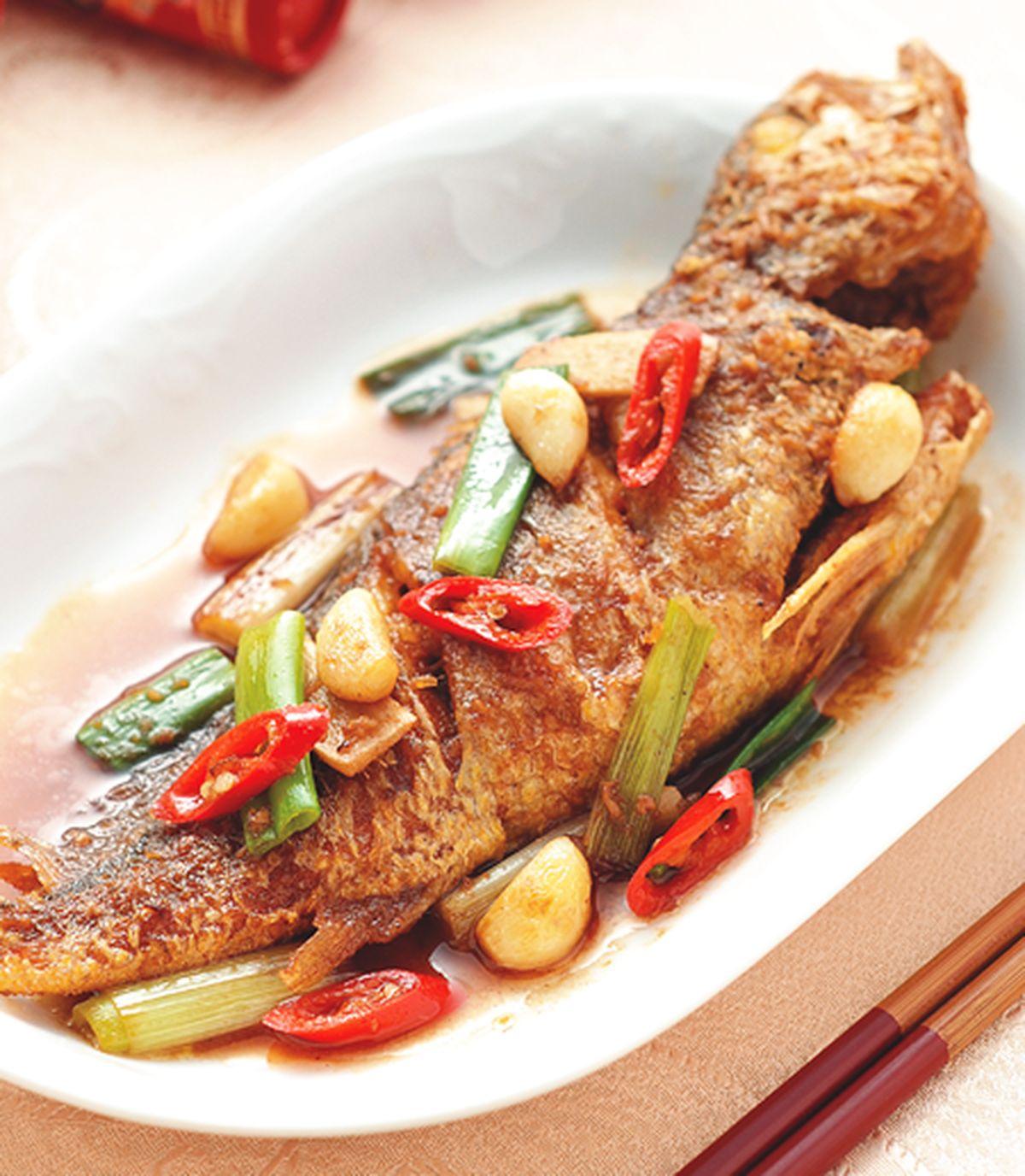 食譜:蔥辣燒黃魚
