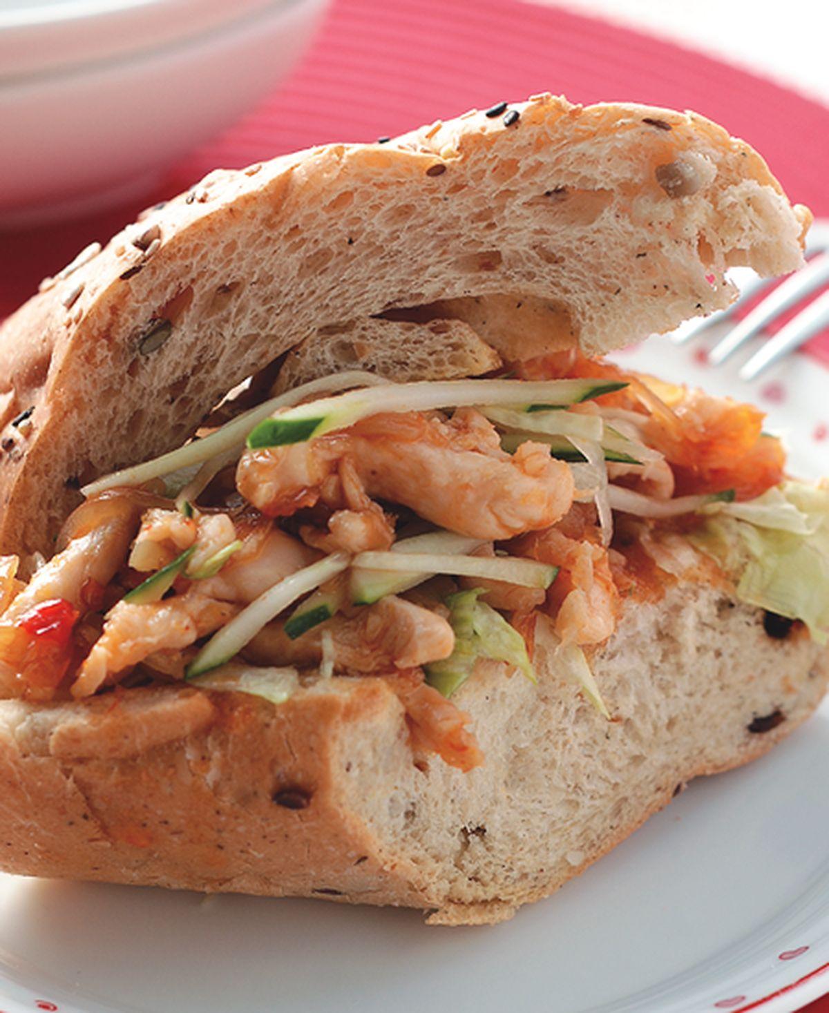 食譜:泰式雞柳雜糧潛艇堡