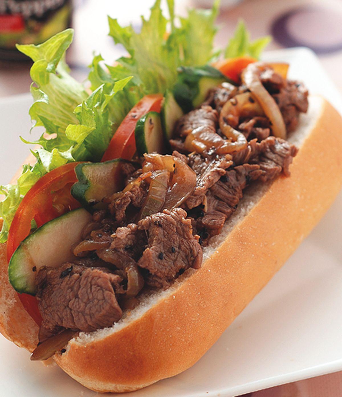 食譜:黑胡椒牛肉大亨堡