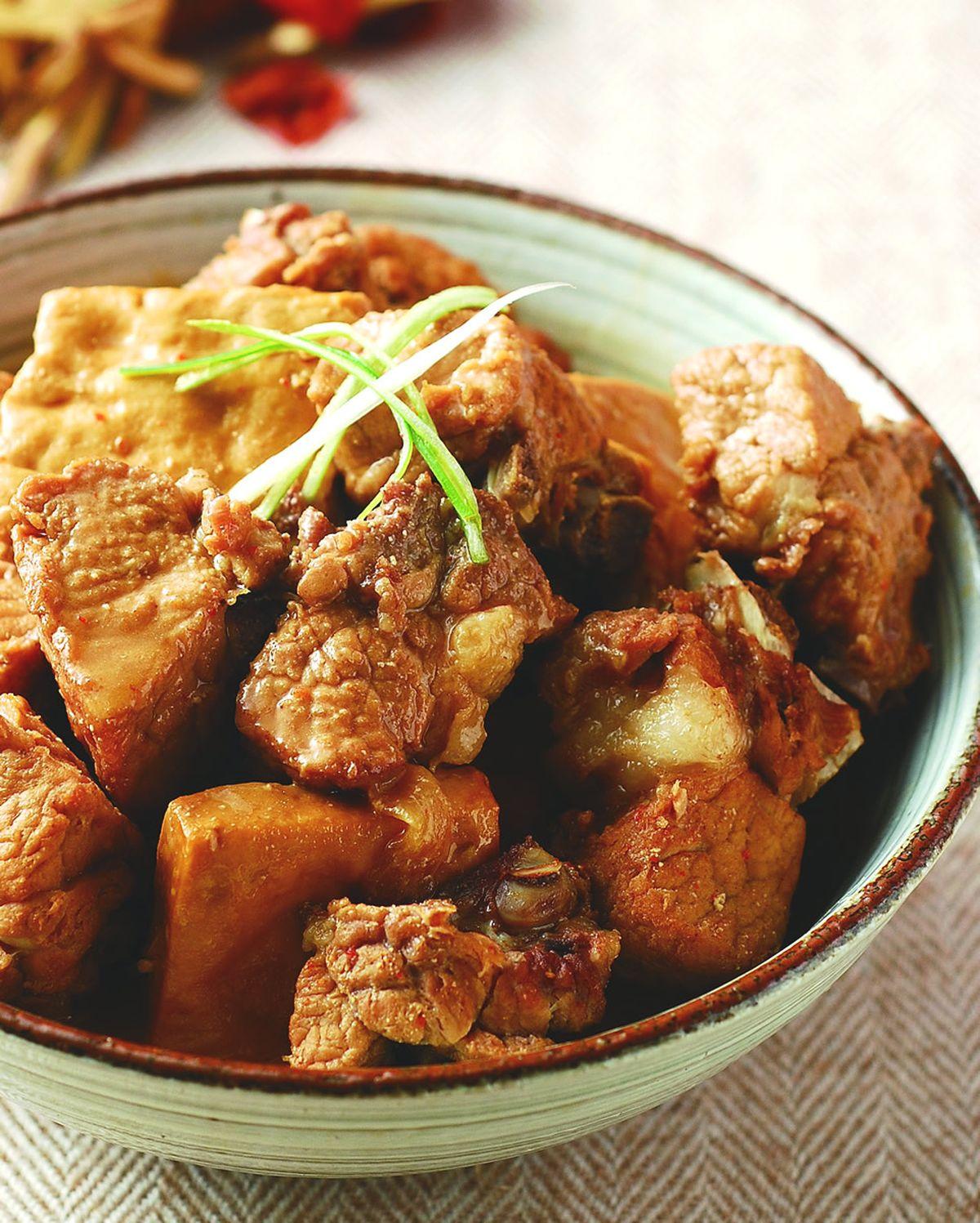 食譜:豆腐乳滷小排