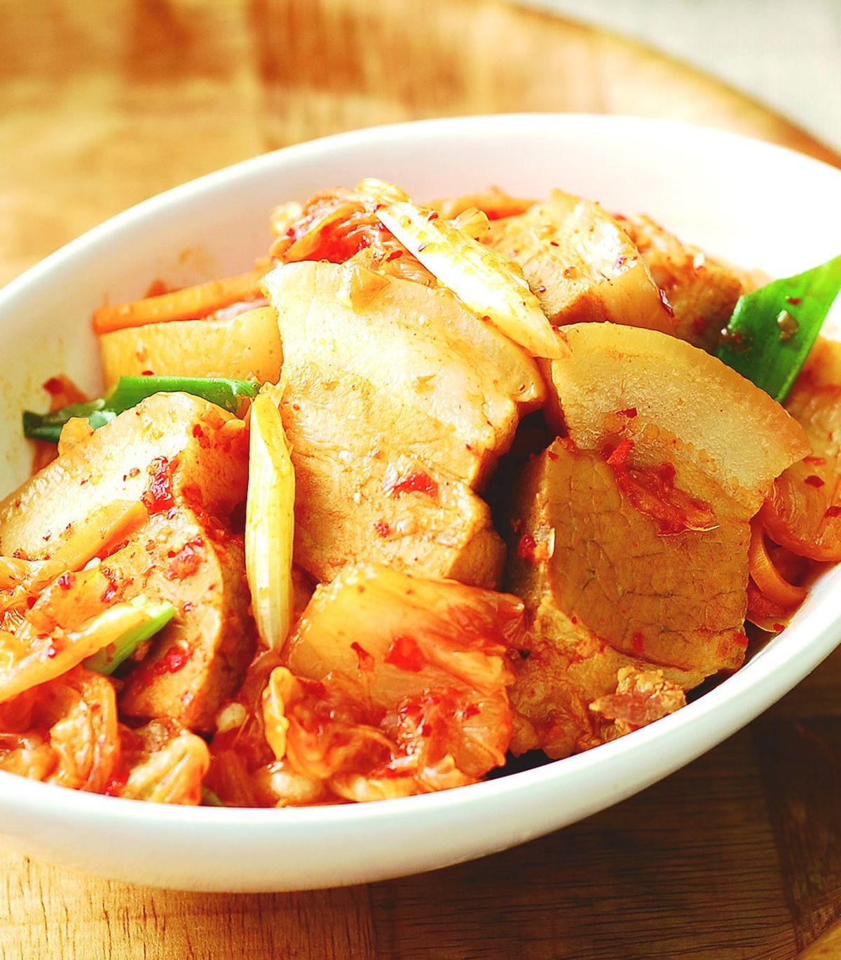 食譜:泡菜滷五花肉