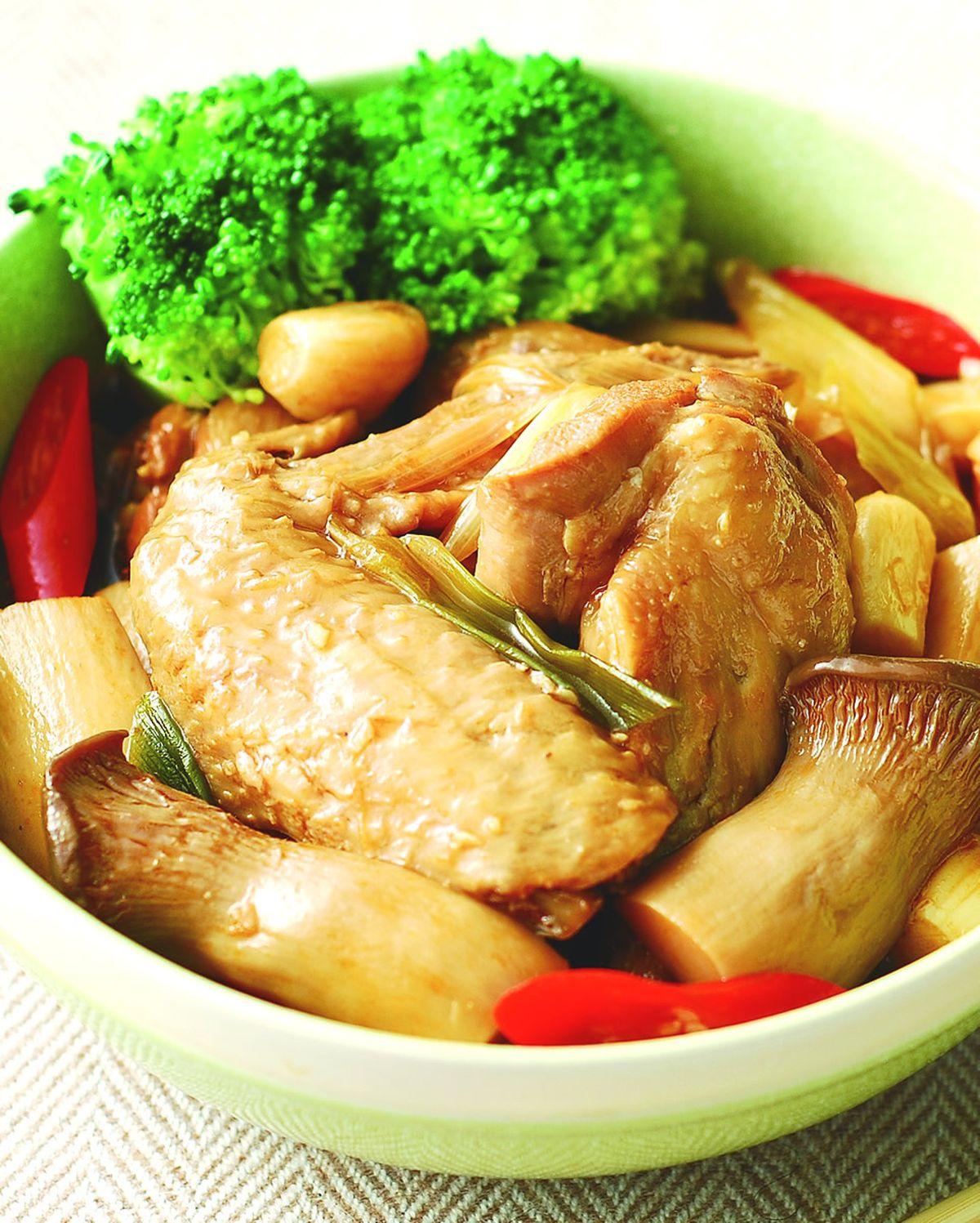 食譜:蠔油杏鮑菇滷雞翅